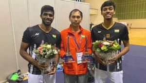 Flandy Limpele (Tengah) Bersama Satwiksairaj Rankireddy/Chirag Shetty (photo: Facebook)